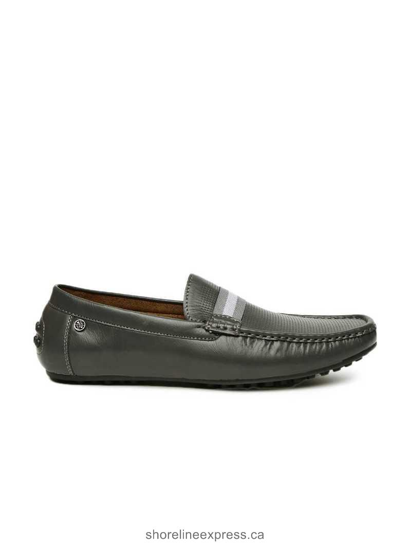 Stylish appearance Carlton London Men Grey Textured Driving Shoes