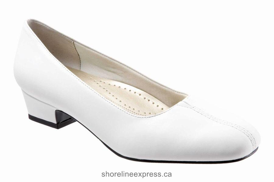 Quality branded Trotters Doris Women's Dress Shoes White