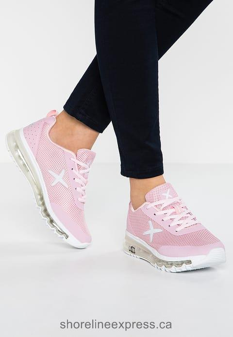 Buy fashion Wize & Ope XRUN - Trainers Old Rose Women